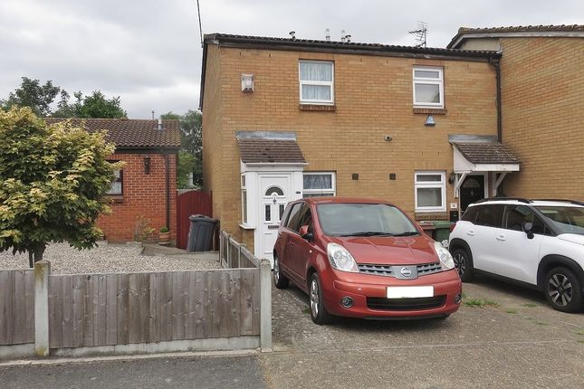 Thumbnail 1 bed terraced house to rent in Water Lane, Purfleet