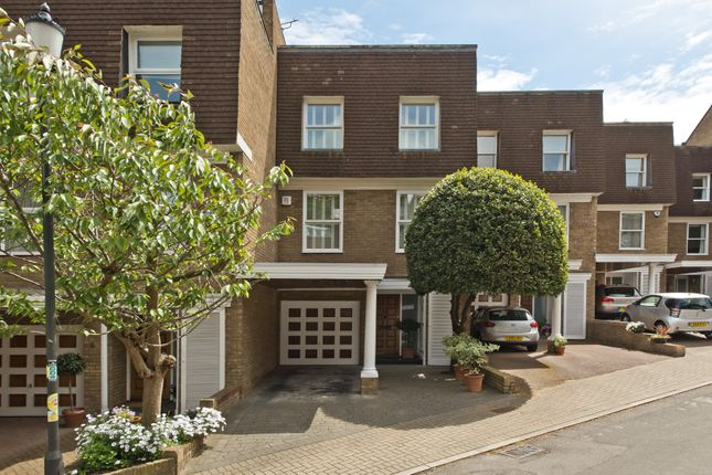 Thumbnail Property for sale in Welford Place, London