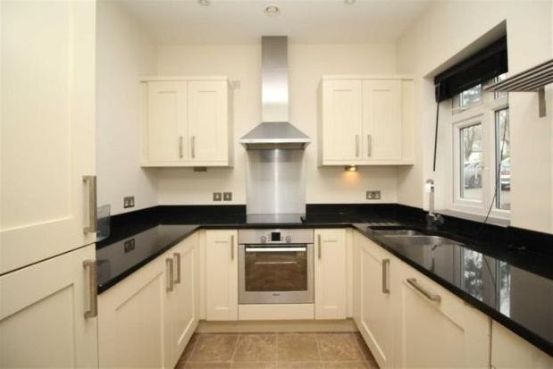 Thumbnail Flat to rent in The Pines, Buxton Road, Disley