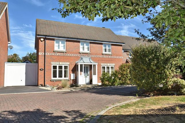 4 bed detached house for sale in The Frith, Didcot