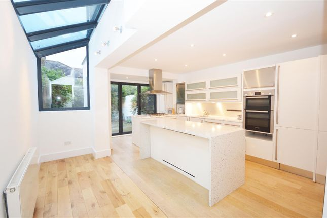 Thumbnail Terraced house to rent in Second Avenue, London