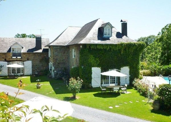 Thumbnail Property for sale in Bosdarros, Pyrenees Atlantiques, France
