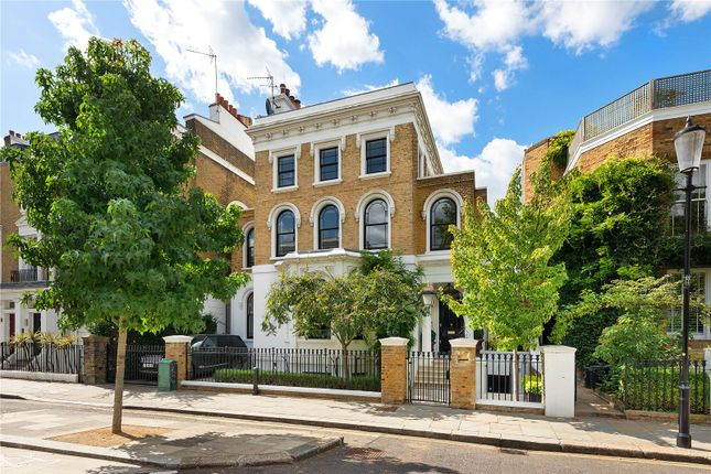 Thumbnail Terraced house for sale in Clarendon Road, Holland Park, London