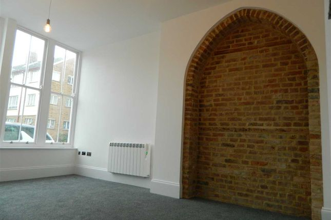 Thumbnail Flat to rent in High Street, Flat 2, Margate