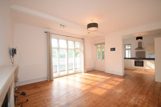Thumbnail Flat to rent in Southlea Road, Datchet, Slough