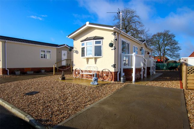 Thumbnail Bungalow for sale in 98, Barton Broads Park, Maltkiln Road, Barton-Upon-Humber, North Lincolnshire