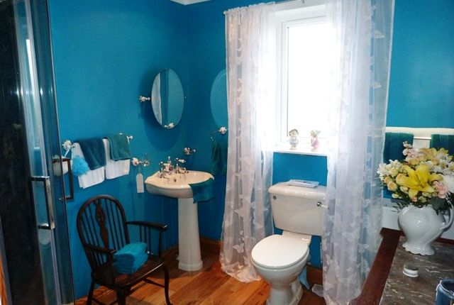 Bathroom of Upper Bayble, Isle O HS2