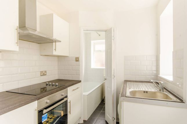 Thumbnail Property to rent in Morley Avenue, Wood Green