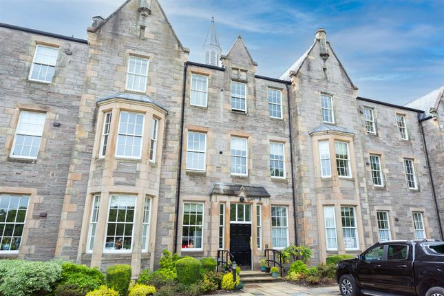 Thumbnail Flat for sale in Glasgow Road, Perth