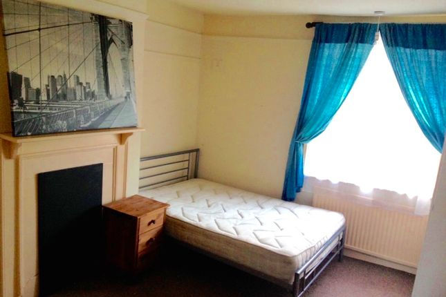 Room to rent in Church Street, Staines-Upon-Thames