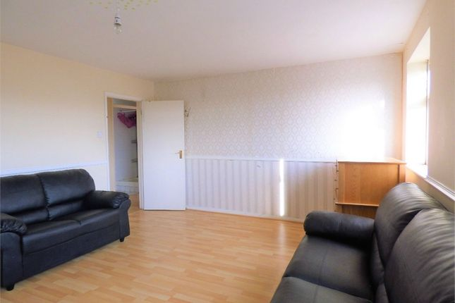 Thumbnail Flat to rent in Uxbridge Road, Hayes, Middlesex, United Kingdom