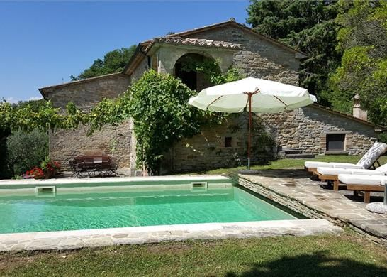 5 bed farmhouse for sale in 06014 Montone Pg, Italy