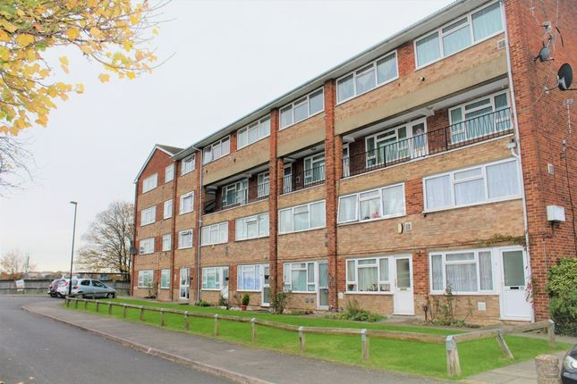 Thumbnail Flat to rent in Travellers Way, Hounslow