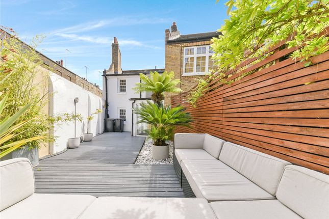 2 bed end terrace house to rent in Whittlesey Street, Waterloo, London SE1