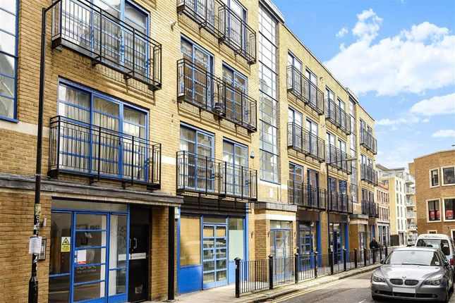 2 bed flat to rent in Calvin Street, London