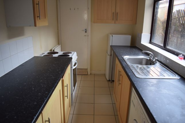 Thumbnail Terraced house to rent in Hartshill Road, Stoke-On-Trent