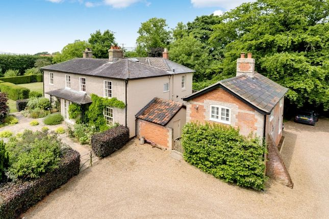 Thumbnail Farmhouse for sale in The Street, Hepworth, Diss