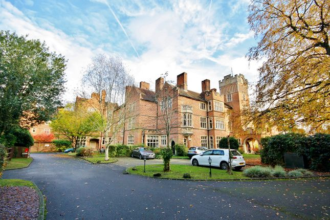 Thumbnail Flat for sale in Oldfield Wood, Woking