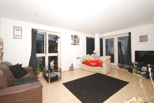 Thumbnail Terraced house to rent in Tredegar Road, Bow