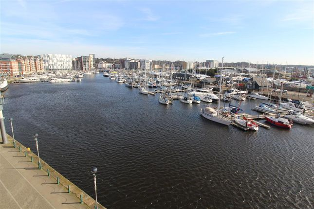 Flat to rent in Regatta Quay, Key Street, Ipswich