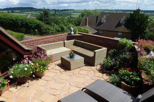 Thumbnail Detached house for sale in Napton On The Hill, Southam