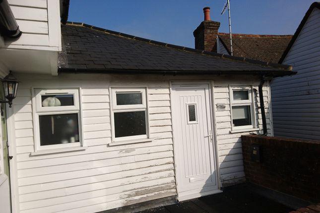 1 bed flat to rent in High Street, Edenbridge TN8
