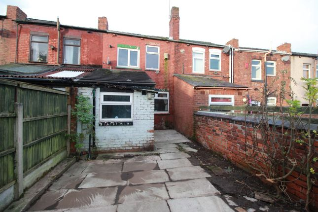 Picture No. 15 of Warrington Road, Abram, Wigan, Greater Manchester WN2
