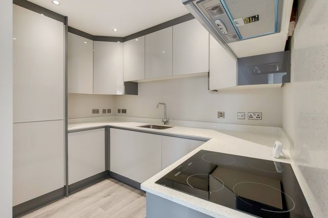 Thumbnail 3 bed flat for sale in Reedham Drive, Purley