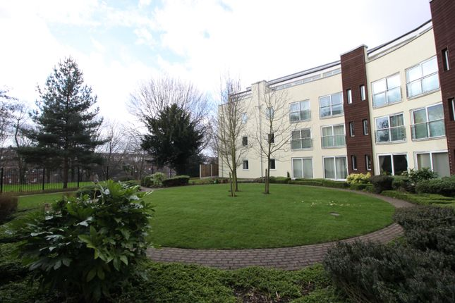 2 bed flat to rent in The Dale, Woodseats, Sheffield
