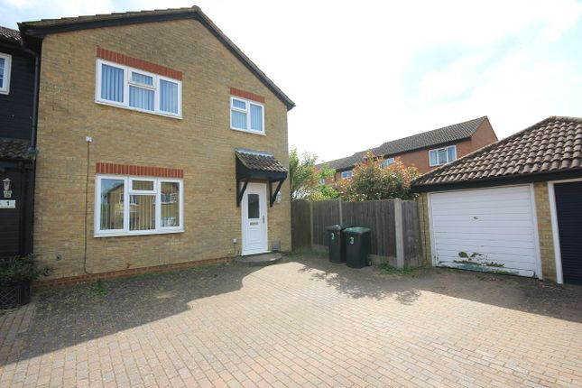 Thumbnail Property to rent in Pennine Rise, Flitwick, Flitwick