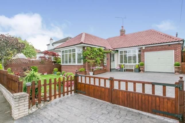 Thumbnail Bungalow for sale in Freshfields, Wistaston, Crewe, Cheshire