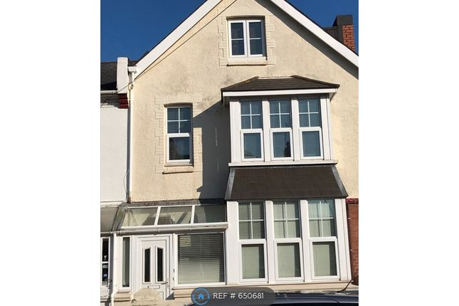 Thumbnail 2 bed flat to rent in Cadwell Road, Paignton