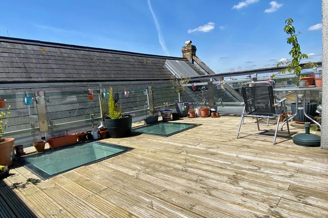 Thumbnail Penthouse for sale in Barry Lane, Cardiff