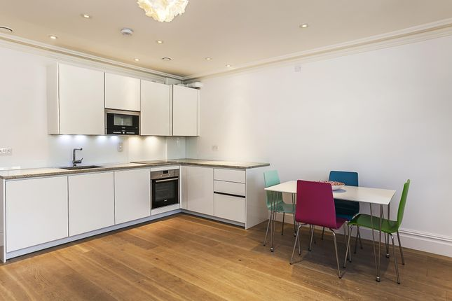 Thumbnail Flat to rent in Trinity Street, London