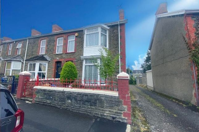 3 bed property to rent in Acland Road, Bridgend CF31