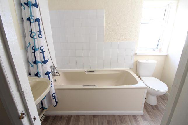 Bathroom of Winstanley Road, Wellingborough NN8