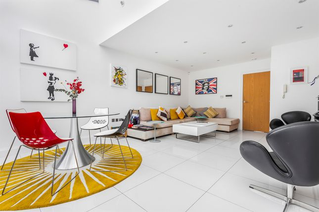 Terraced house for sale in Tottenham Lane, Crouch End