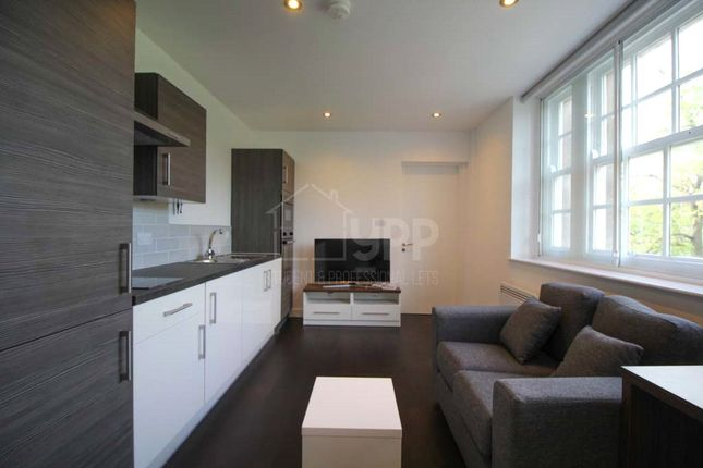 Studio to rent in Park Square South, Leeds, West Yorkshire