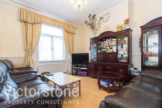 Thumbnail Terraced house for sale in Windsor Road, Holloway, London