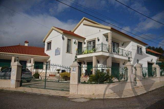 Detached house for sale in Caldas Da Rainha, Silver Coast, Portugal