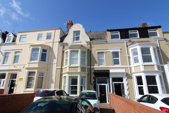 Thumbnail Flat to rent in South Parade, Whitley Bay