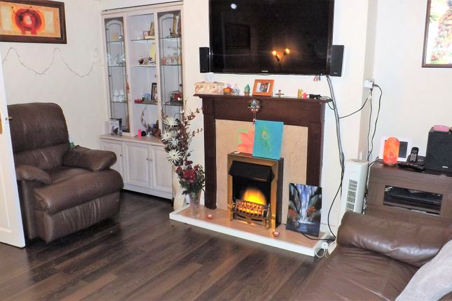 Thumbnail Terraced house to rent in Coldharbour Road, Waddon, Croydon
