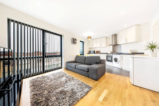 Thumbnail Flat to rent in Old Timber Court, Acton Lane, Chiswick, London
