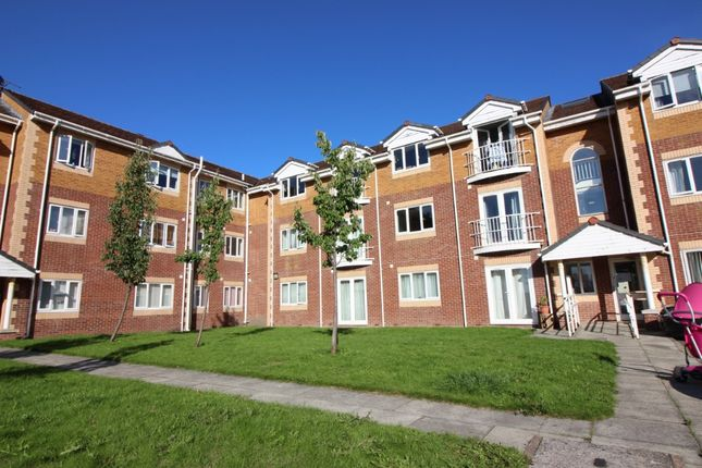 2 bed flat to rent in The Quays, Burscough L40