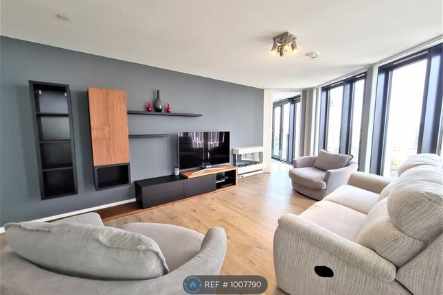 2 bed flat to rent in Unex Tower, London E15