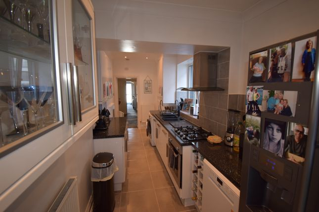 Thumbnail Terraced house to rent in Trinity Hill, Torquay