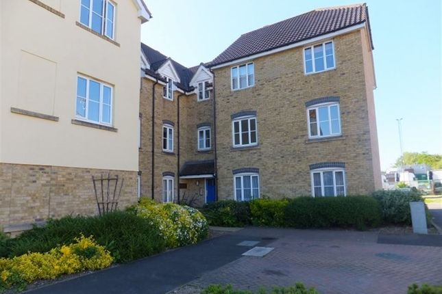 2 bed flat to rent in Mercer Close, Larkfield, Aylesford