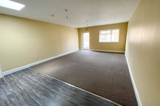 Studio to rent in 38 Chipstead Valley Road, Coulsdon CR5