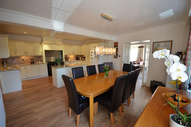Thumbnail Flat for sale in 1 White Castle Court, Green Lane, Queensbury
