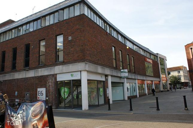 Thumbnail Retail premises to let in 4, Pauls Row, High Wycombe, Buckinghamshire